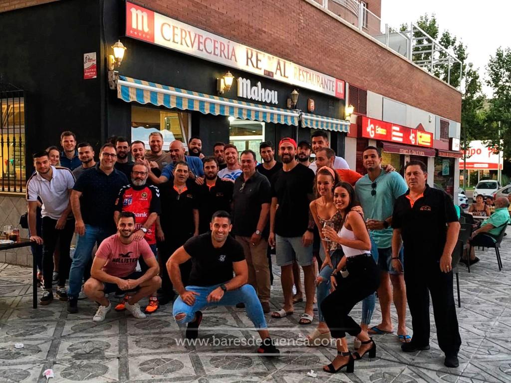 Jornada en familia del Club Balonmano Ciudad Encantada en el Bar Restaurante Real